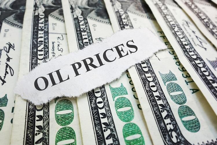 Oil prices edge up on Monday