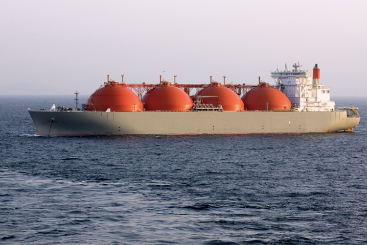 India entreats Japan's aid to build LNG facilities
