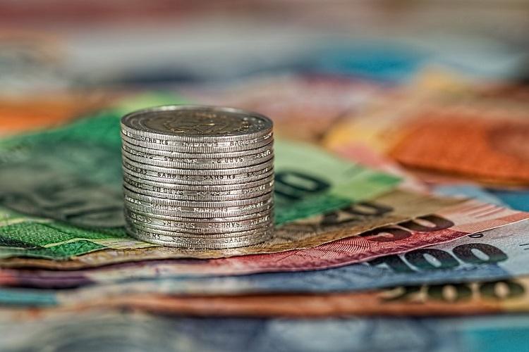 Occidental denies market support, seeks financial aid