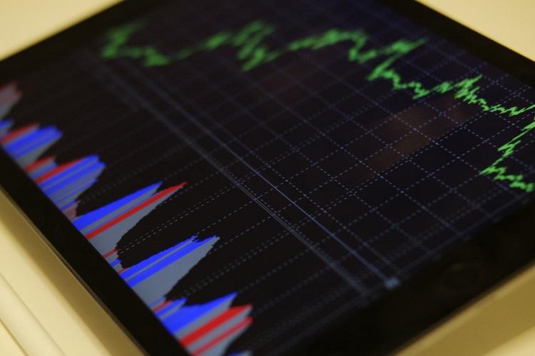 Apache Corp's profit tumbles by 78.6%