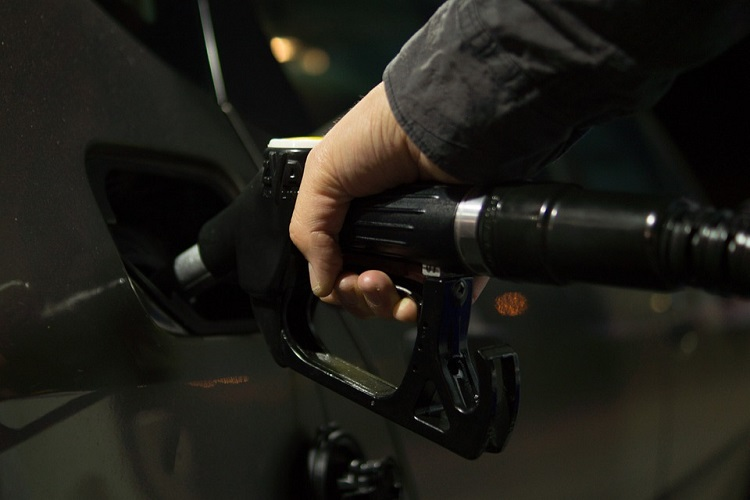 Oil prices dip over signs of rising supply
