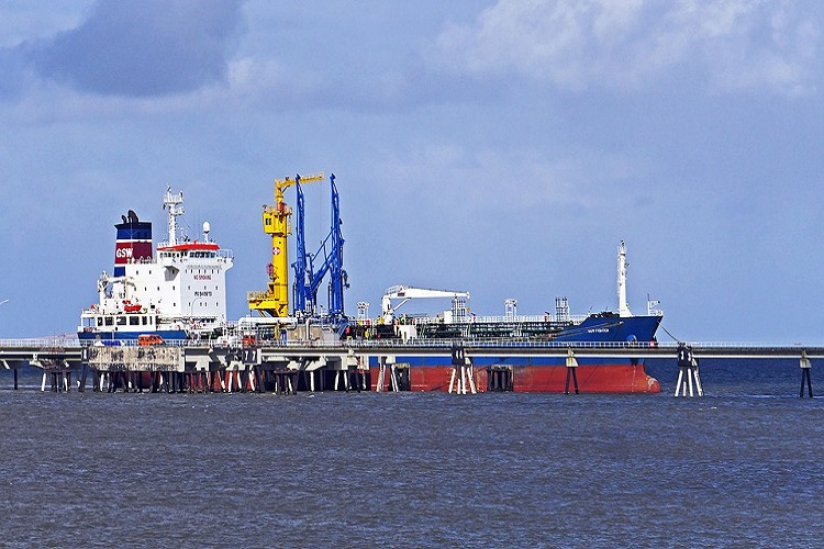 Reliance stops diluent supply to Venezuela