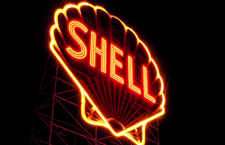 Shell agrees to sell out of Canadian Natural Resources