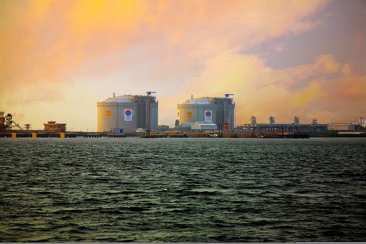 Bangladesh planning to build an LNG terminal