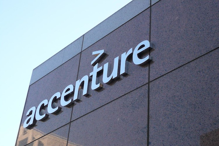 Oil companies are struggling to scale digital technologies, says Accenture