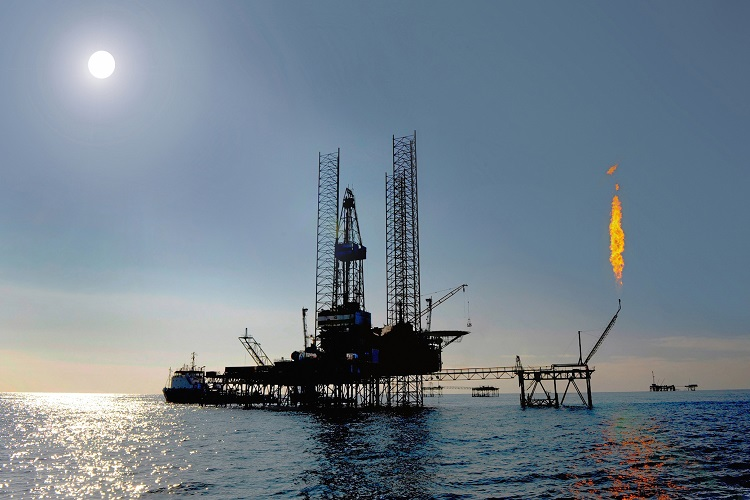 Iran on verge of sealing Caspian Oil deal with Azerbaijan