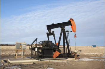 Oil prices climb on favourable outlook for U.S. fuel demand