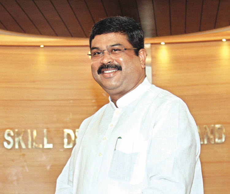 India hopes that there is no tension in the oil-producing countries: Pradhan