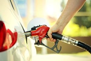 WTI crude trading trends suggest a U.S. oil supply crunch as driving season nears