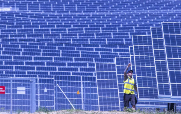 The risky side of solar energy: A perspective on solar waste